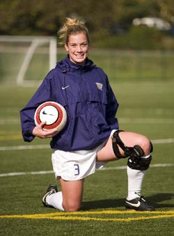 Shannon Dillon, UW Soccer Team